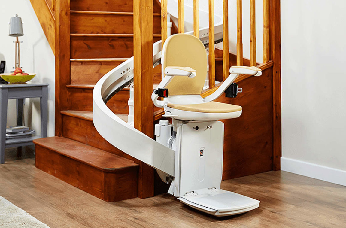 180-stairlift-moving-1152x759